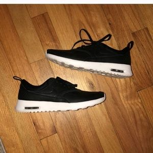 NIKE BLACK AIR MAX THEA SNEAKERS 8 Faux Leather